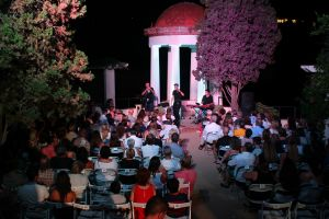 Gran concert inaugural de les Nits de Marimurtra amb connexió total entre Victor Branch i el públic