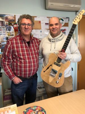 MUSICAT ha signat un conveni amb JR Guitars, que ofereix un 15% de descompte als socis en tots els seus serveis